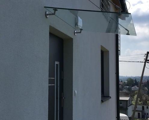 daszki-szklane-nad-drzwiami